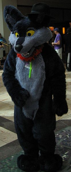 Archivo:Anthrocon 2007 Big Blue Fox.JPG